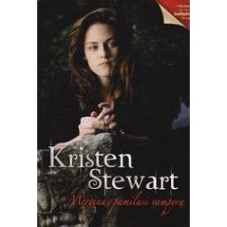 Mergina, pamilusi vampyrą/ Stewart K.